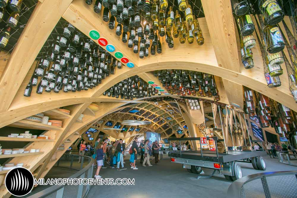fotografo eventi Milano nella foto interno del padiglione Expo della Francia