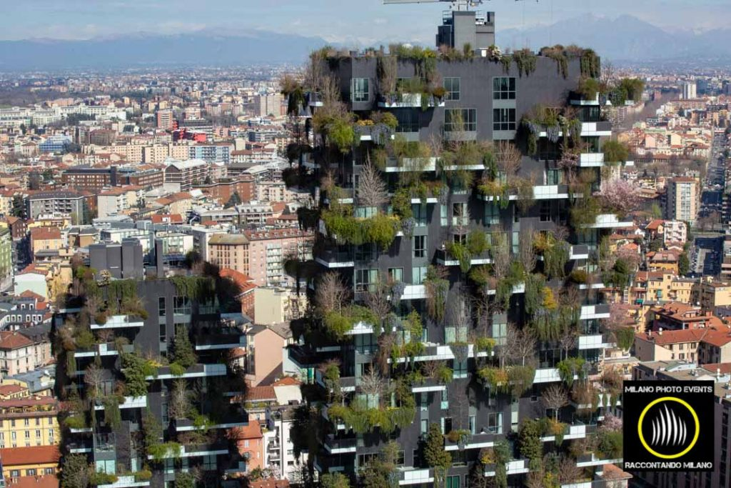 bosco verticale milano fotografato da UniCredit Tower